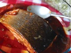 Cá hồi nướng sirô maple