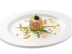 Salad cá hồi tôm bơ tươi