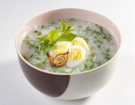 Cháo trứng cút rau mồng tơi