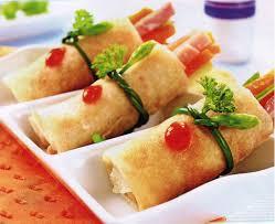 Bánh bía cuộn bí đỏ